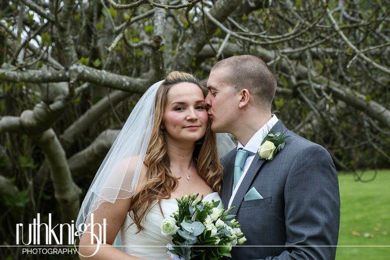 Essex Wedding Photographer at Prittlewell Priory, Southend – Laura & Richard