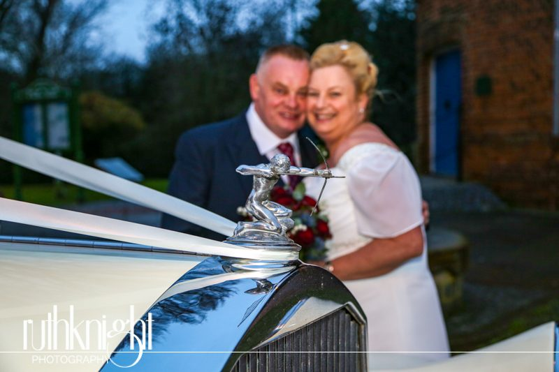 Essex Wedding Photographer at Rayleigh Windmill & The Hawk, Battlesbridge -Louise & Tony